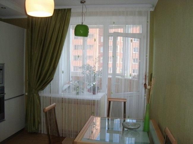 шторы кисея для кухни с балконной дверью